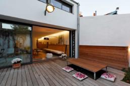 touton architectes - Danton - maison - terrasse bois - table escamotable - ancien atelier