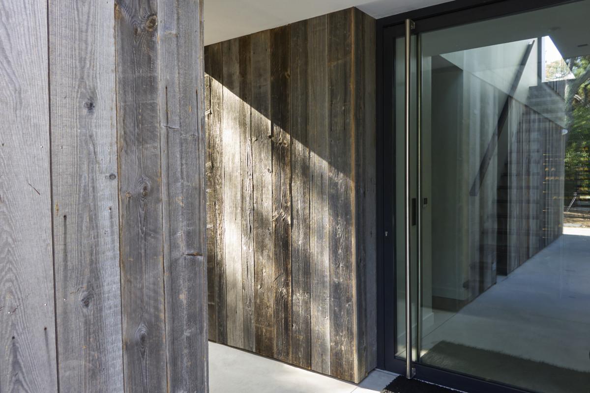 touton architectes - Eiders - villa - Cap Ferret - accès - bardage bois - menuiserie toute hauteur