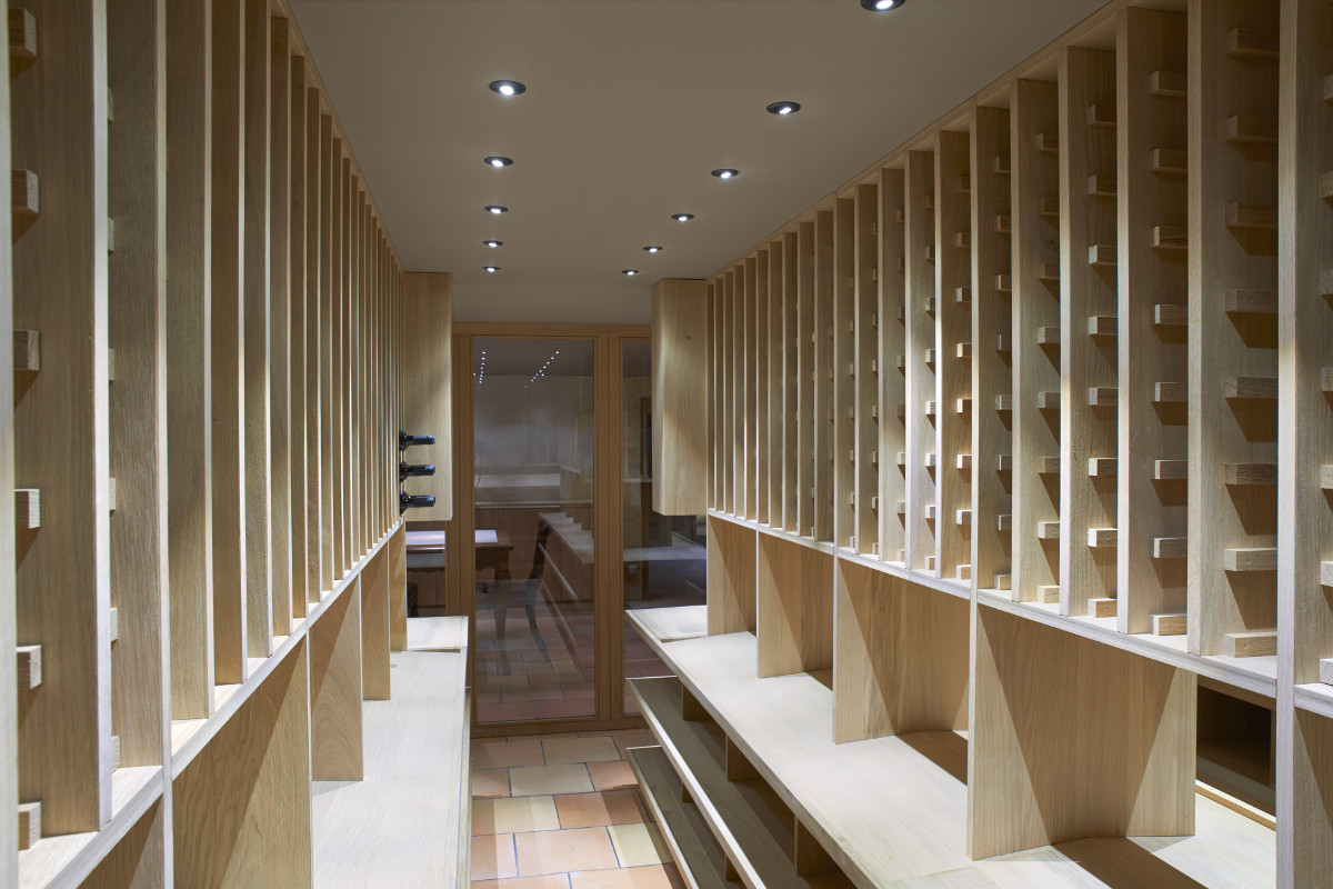 touton architectes - invictus - cave souterraine - mobilier bois