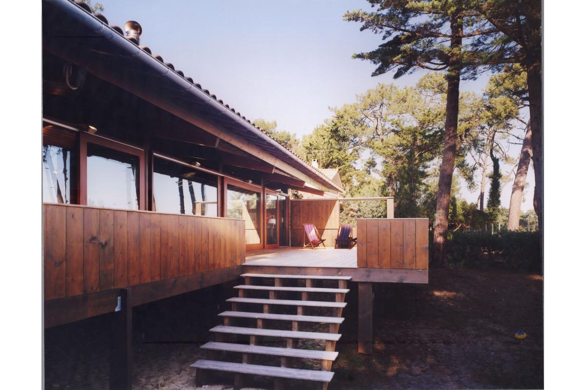 touton architectes - Villa Lagune - bois - terrasse - bois - accès escalier