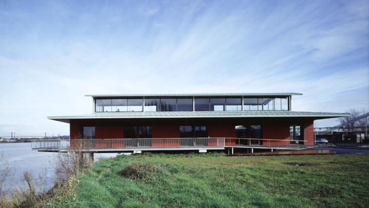 touton architectes - LD Vins - négoce - sur les berges de la Garonne