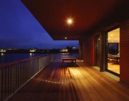 touton architectes - LD Vins - négoce - terrasse sur la Garonne de nuit