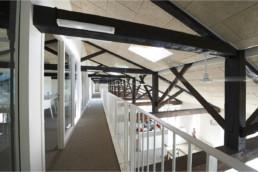 touton architectes - Mähler-Besse - négoce - coursive bureaux