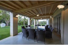 touton architectes - Milord - rénovation - terrasse couverte - salle à manger extérieure