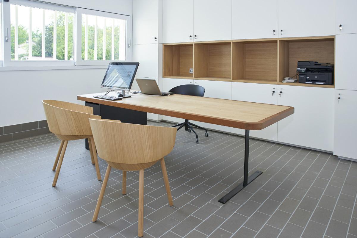 touton architectes - Pabus - chais - bureaux - mobilier
