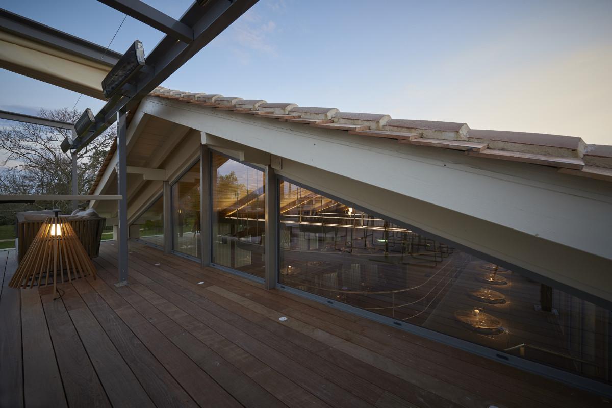 touton architectes - Pabus - terrasse - vue sur cuvier - mobilier