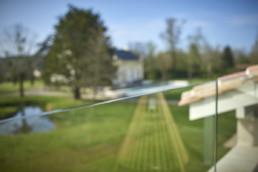 touton architectes - Pabus - terrasse - garde corps verre - vue sur jardin - détail