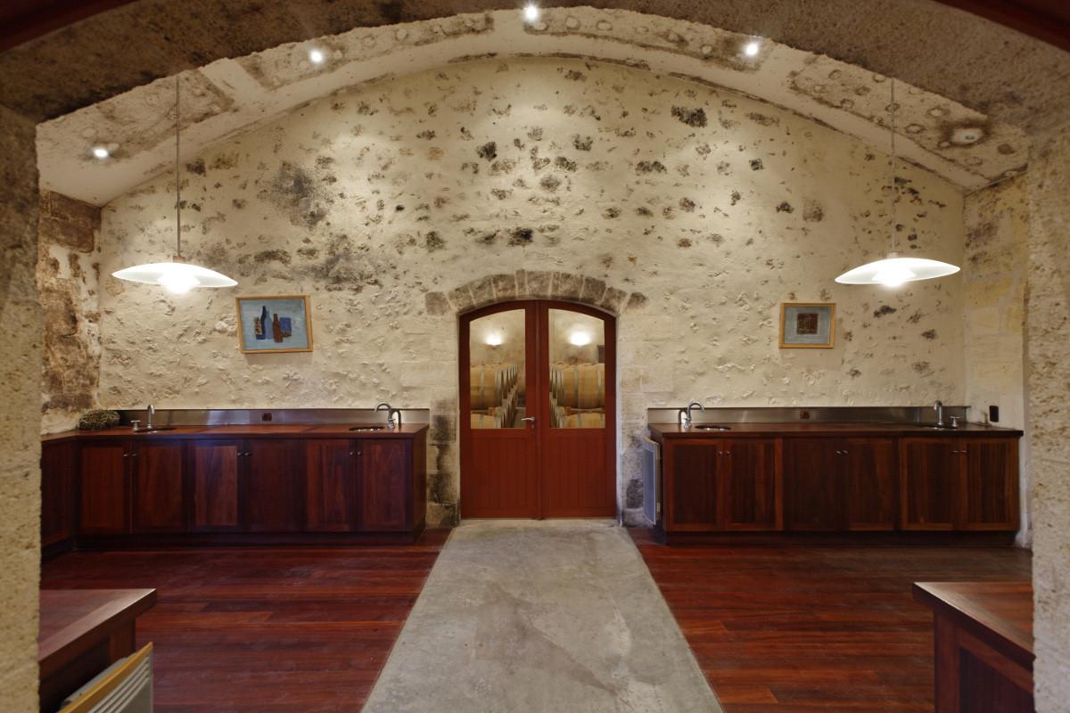 touton architectes - Château Paveil - salle de dégustation - patrimoine - viticole