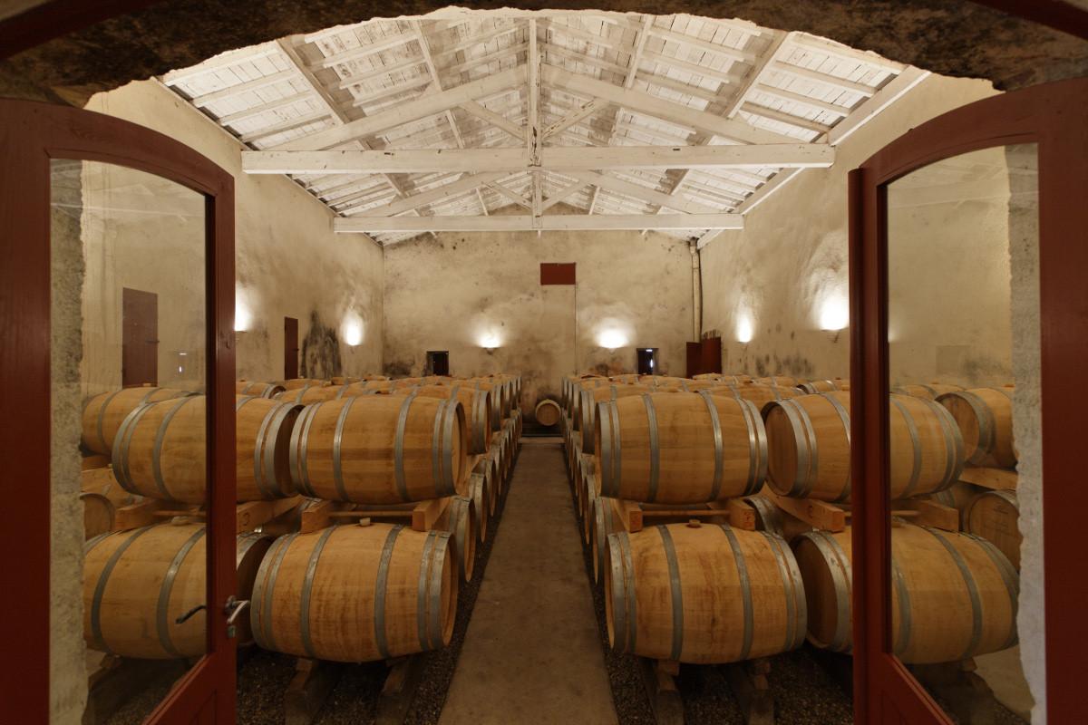 touton architectes - Château Paveil - chai à barriques - patrimoine - viticole