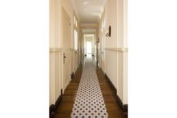 touton architectes - Petit Verdus - patrimoine - restauration château - couloir - boiseries moulurées