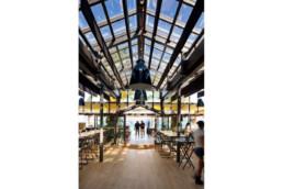 touton architectes - pinasse café - restaurant - salle intérieure - verrière - mobilier