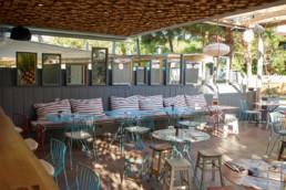 touton architectes - cabane du pinasse - restauration - terrasse - lampions - mobilier
