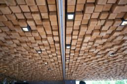 touton architectes - cabane du pinasse - restauration - détail plafond comptoir