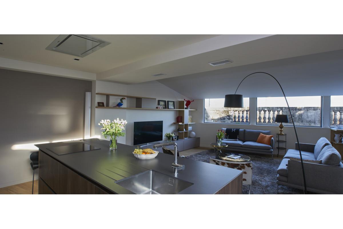 touton architectes - Quinconces - rénovation appartement - cuisine séjour
