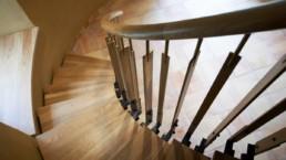 touton architectes - carles - escalier - sur mesure - détail - bois et métal - patrimoine