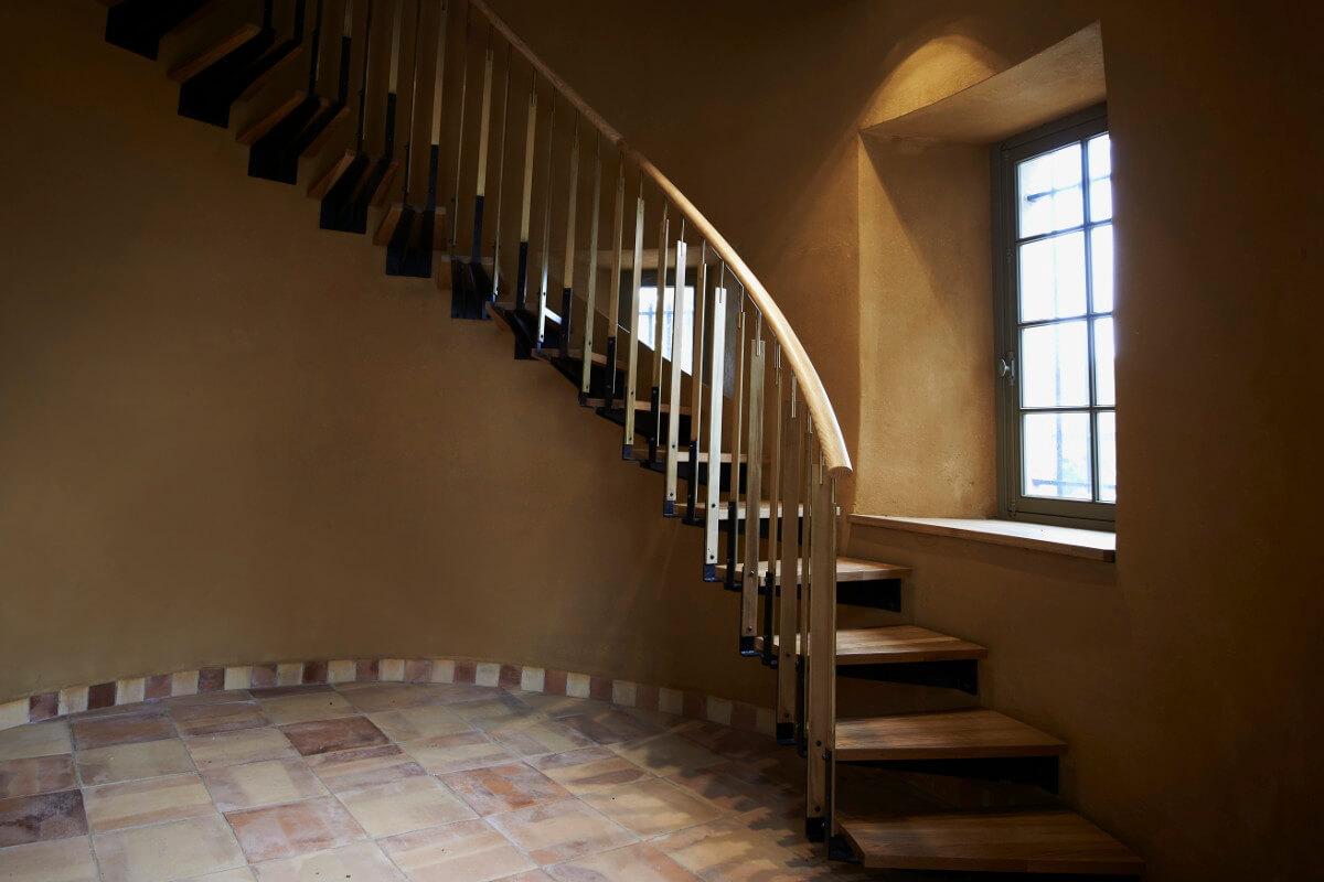 touton architectes - carles - escalier - sur mesure - détail - ensemble - bois et métal - patrimoine