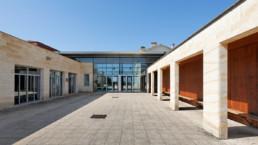 touton architectes - lycée flora tristan - équipement - parvis d'accès