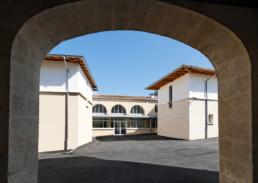 touton architectes - lycée flora tristan - équipement - extérieur - porche d'accès