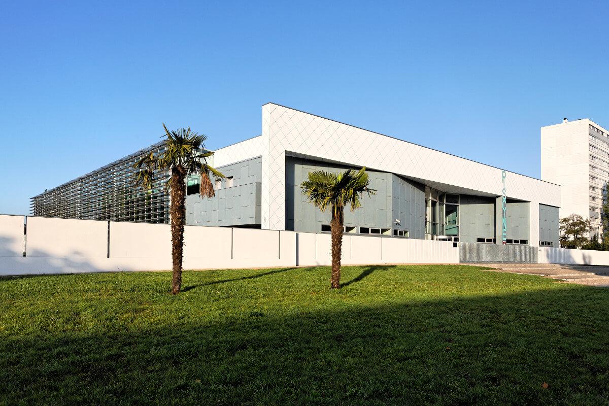 touton architectes - piscine du grand parc - équipement - façade portique