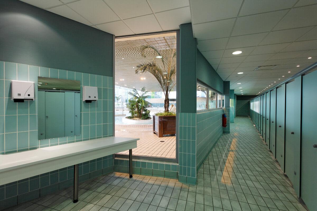 touton architectes - piscine du grand parc - équipement - vestiaires