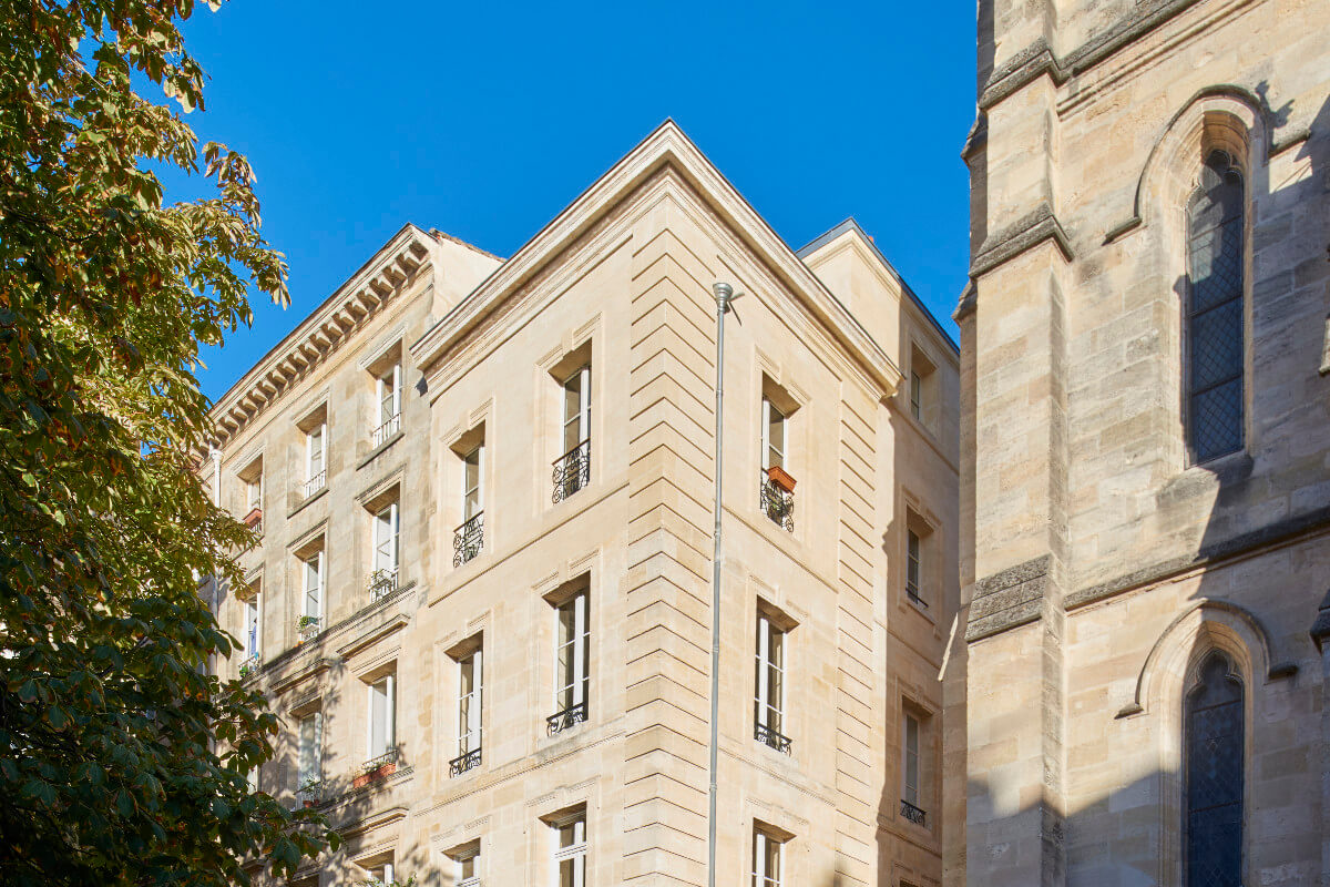 touton architectes - saint pierre - logement collectif - bordeaux - surélevation - patrimoine - façade - pierre
