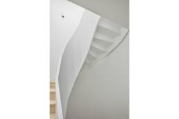touton architectes - saint pierre - logement collectif - bordeaux - surélevation - patrimoine - escalier bois - détail