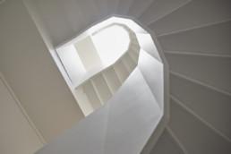 touton architectes - saint pierre - logement collectif - bordeaux - surélevation - patrimoine - escalier bois