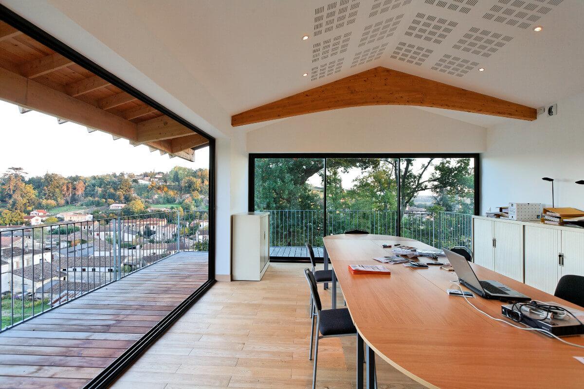 touton architectes - bureaux croisière - perspective - bureaux sur pilotis - transparence - terrasse - coursive - salle réunion