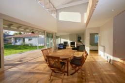 touton architectes - villa - taussat - sejour - double hauteur - volumes - bassin